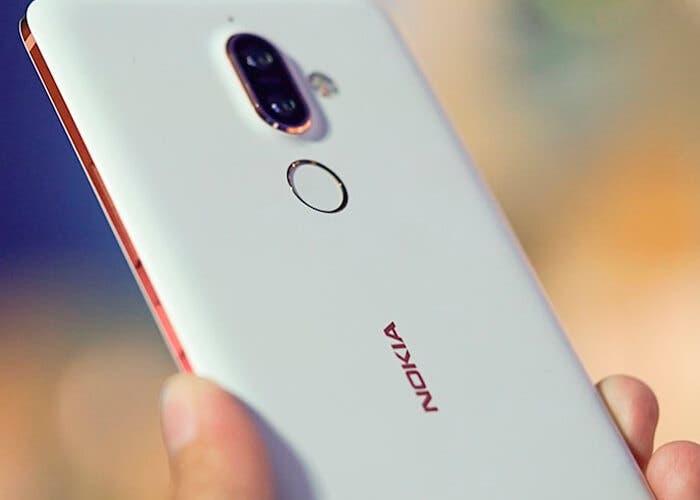 Nokia 7 Plus začala být stabilní a oficiální Android 10