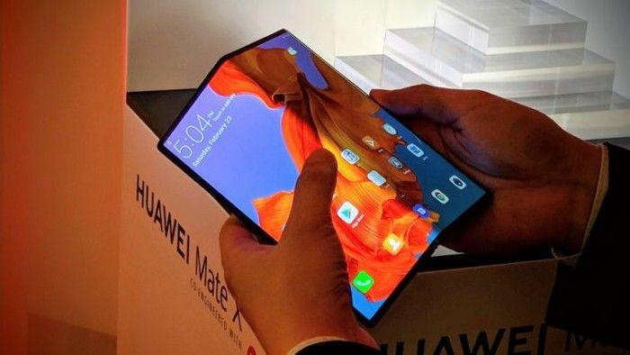 uvedení mobilního trhu huawei mate x