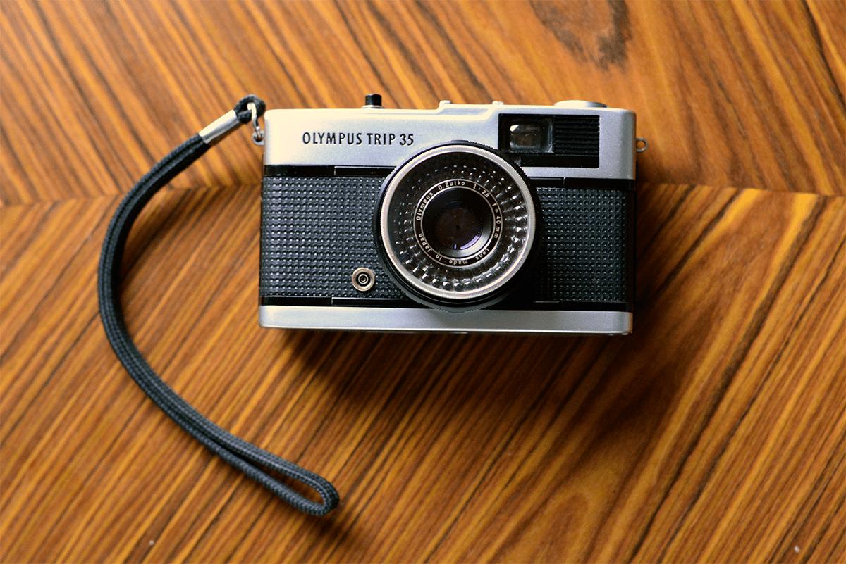 Olympus zastaví výrobu kamer, prodá divizi Ikonická značka fotoaparátů se nyní zaměří na lékařské přístroje.