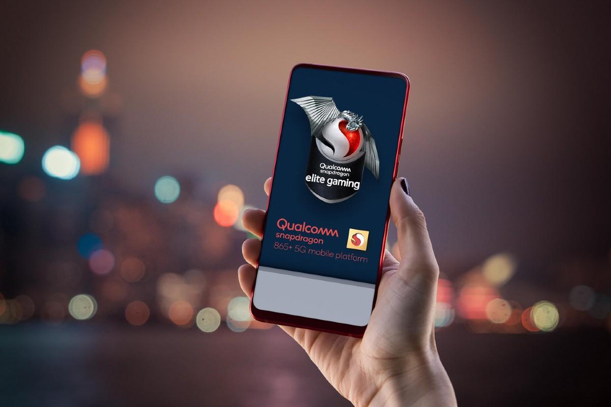 Qualcomm nabízí Snapdragon 865 Plus, který je ideální pro 5G síť a je rychlejší než jeho předchůdce, což by bylo ideální pro ty nejnáročnější hry až do 144 fps.