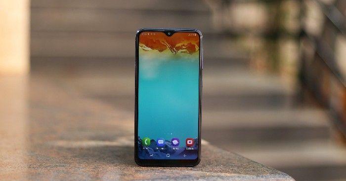 Předprodej Samsung galaxy m20 ve Španělsku