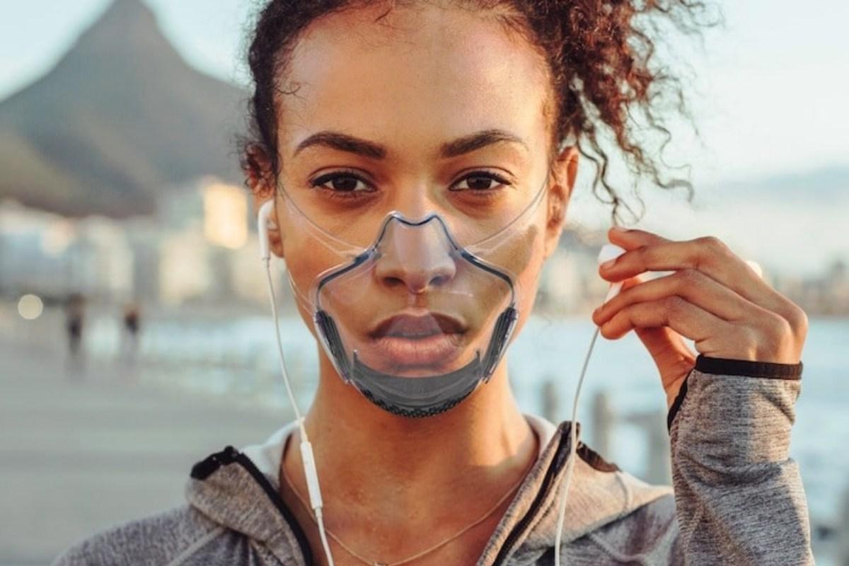 Vyvíjejí inteligentní masku, která byla sterilizována déle než měsíc. Tato maska je již na trhu a slibuje, že bude největší bariérou proti jakémukoli riziku kontaminace ve vzduchu.